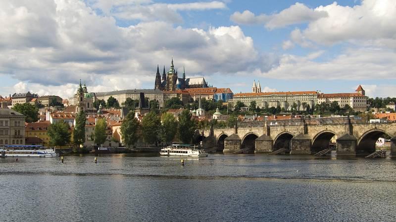 Voyage organisé à Prague en avion