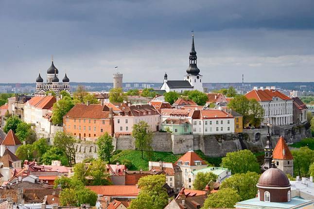CIRCUIT DES PAYS BALTES : LITUANIE/ LETTONIE/ ESTONIE  8 JOURS/ 7 NUITS  1 MAI AU 8 AOÜT 2018