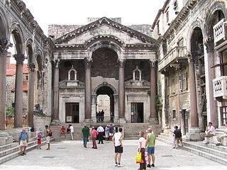 Palais Dioclétien