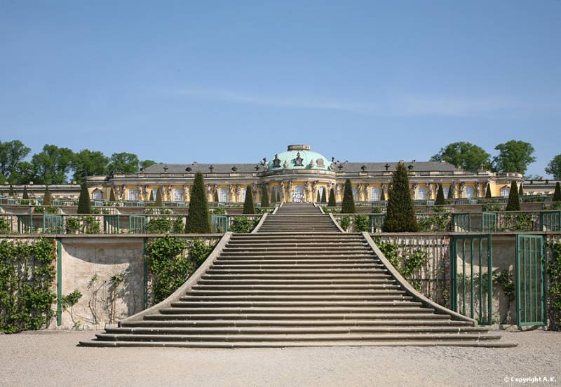 Le Palais de Sans-souci ou Versailles Allemand