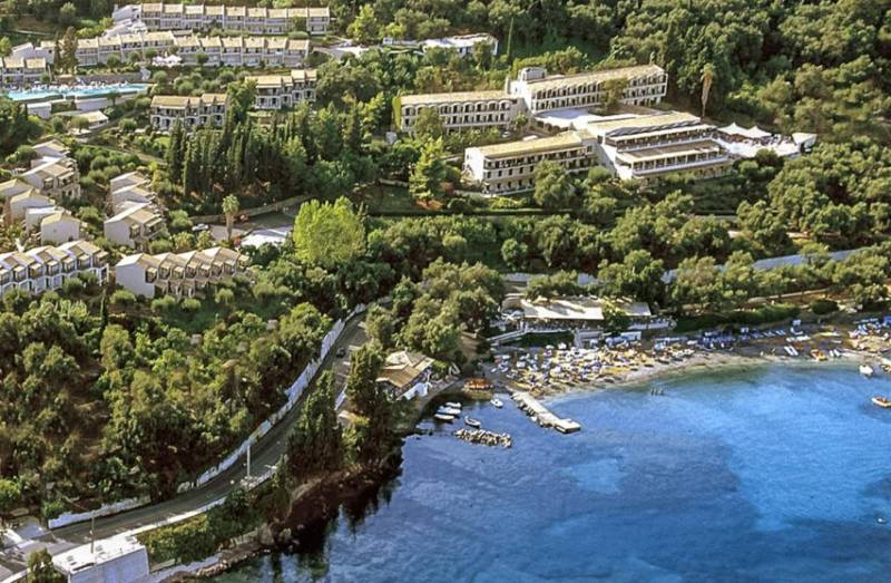 Corfou - Hôtel Aeolos Beach Resort****  du 26 Avril au 03 Mai 2017